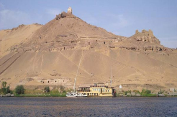 Aswan-Noble-tombs_751x500