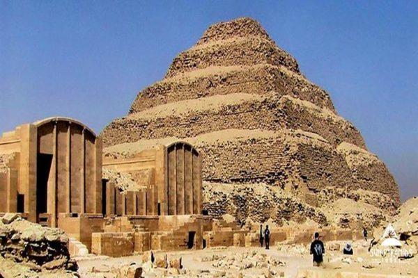 Saqqara 4
