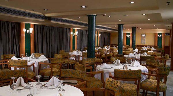 cruise restaurant2